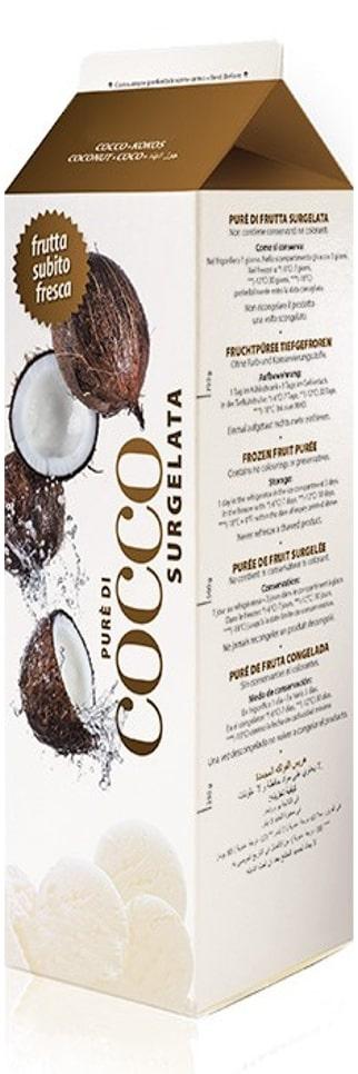 une brique de purée de oix de coco surgelée sur fond blanc